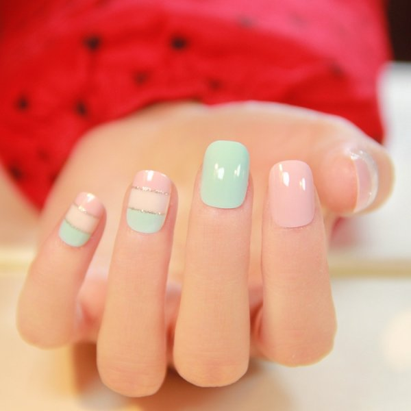 Hot Sale Fake Nails 22 PCS Candy Full Artificial Short Oval Smooth Texture Russia Color