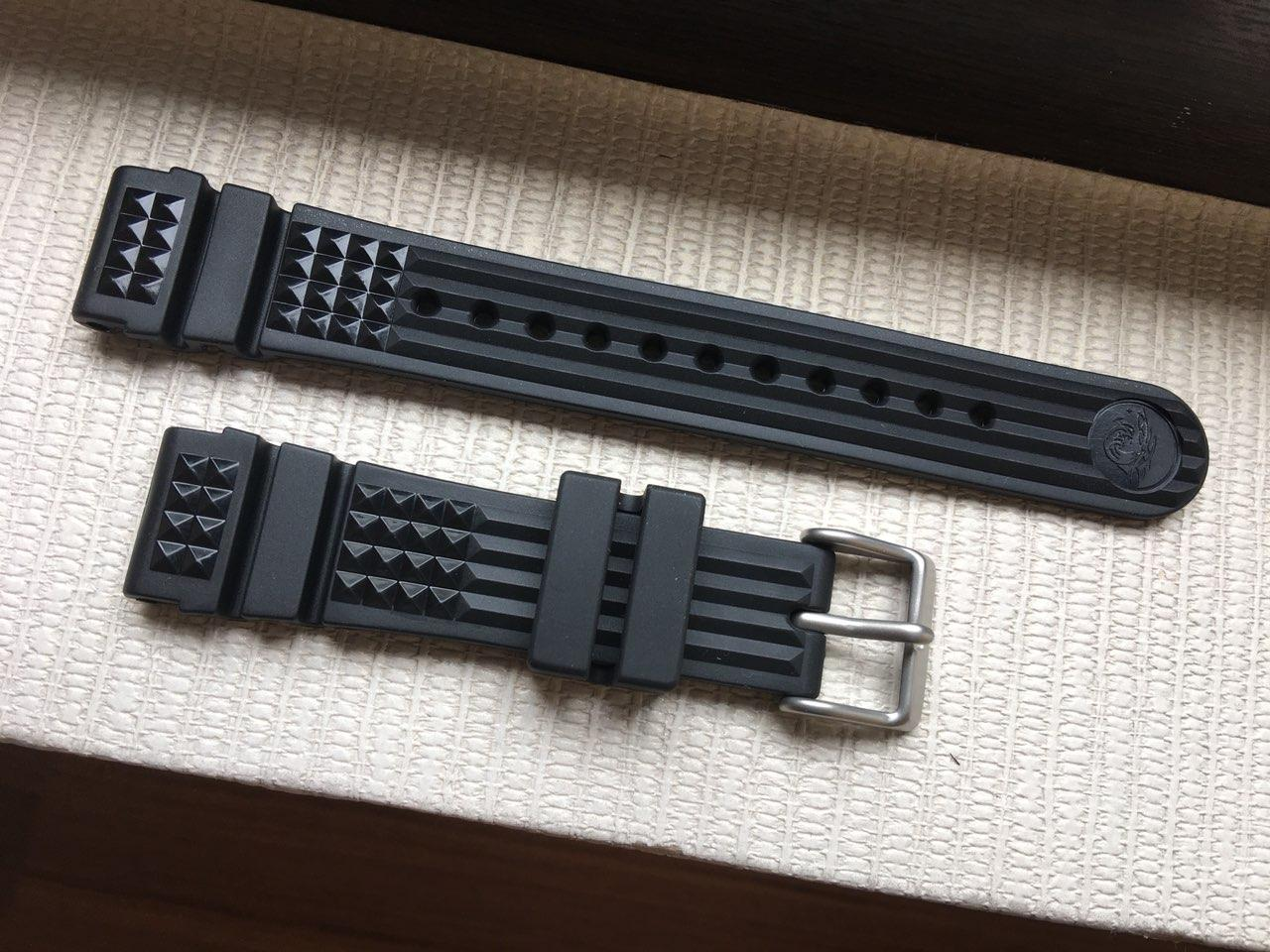 Original Seiko MM300 Marine Master Waffle Strap 20mm (Fits MM300 and other  20mm band diver watches like SPB051 053 077 079 081, SBDC051 053)
