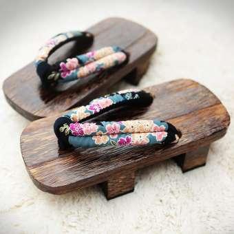 รองเท้าเกี๊ยะหญิงญี่ปุ่นสไตล์ญี่ปุ่น bidentate รองเท้าแตะหูหนีบพื้นหนากันลื่นรองเท้าเกี๊ยะรองเท้าแตะลายญี่ปุ่นรองเท้าแตะไม้คู่รัก cos