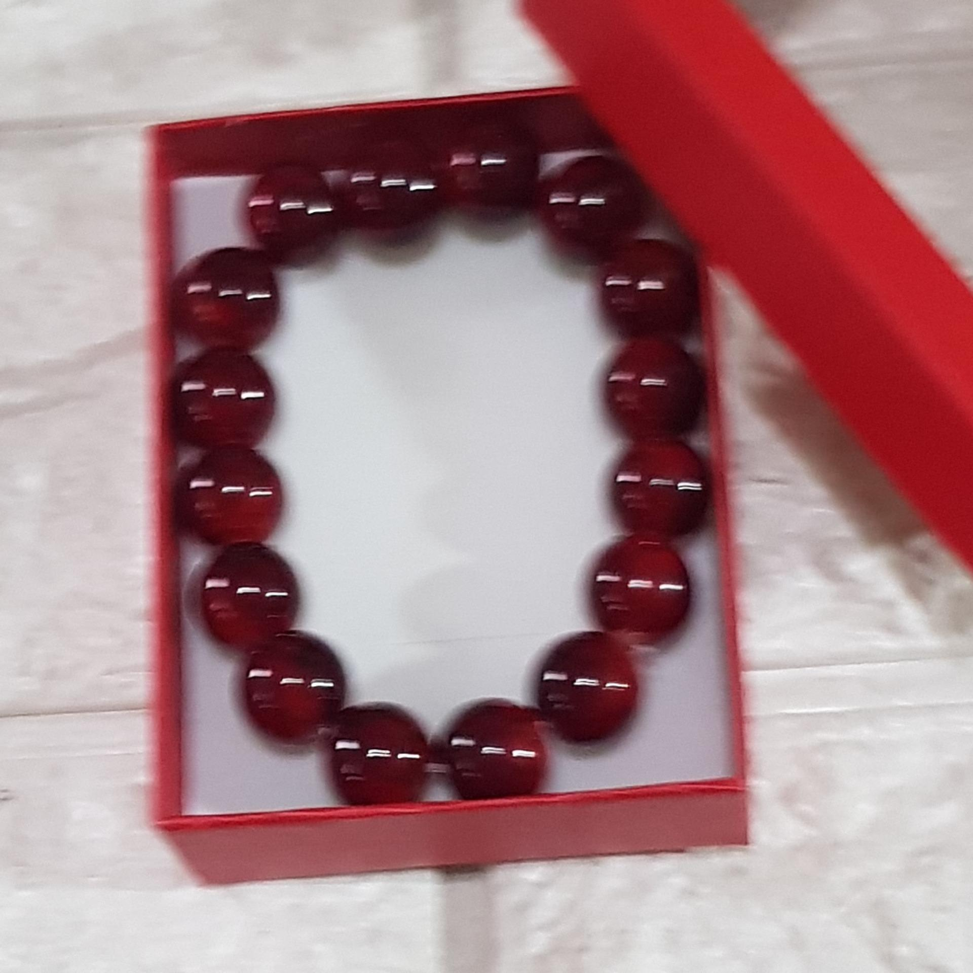 Lucky Charm Bracelet RED BEADS stone for LOVE AND CAREER with case image on snachetto.com