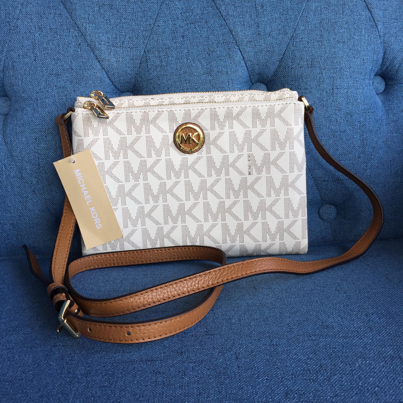 80aa4c0091 Michael Kors Fulton Signature E W Crossbody Bag Vanilla Acorn PVC Leather