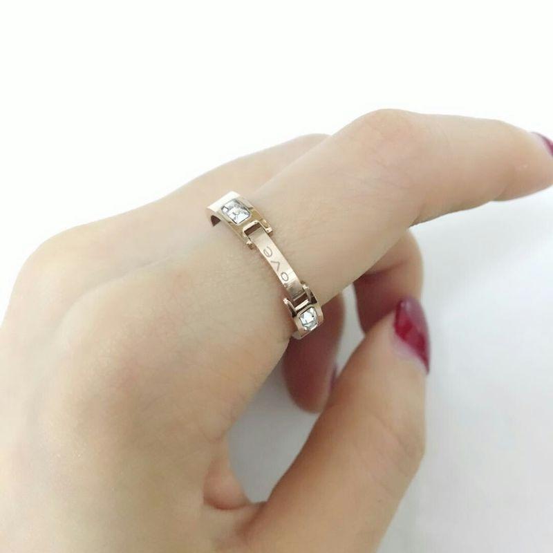 Cincin baja titanium Korea, Wanita 18 K naik cincin berlian emas di kedua sisi,