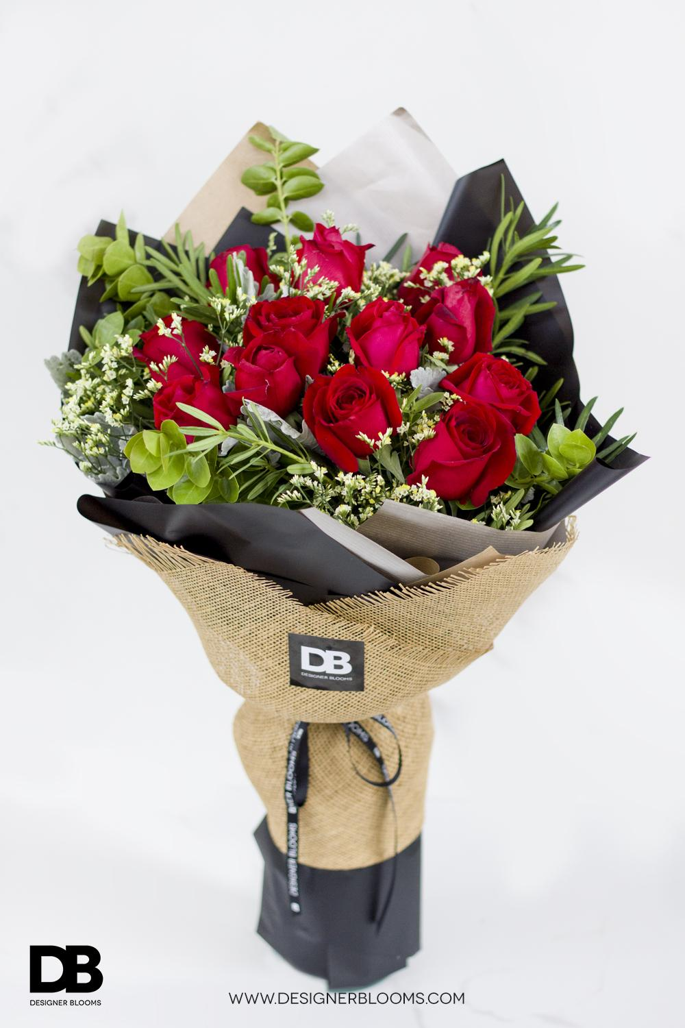 1 Dozen Roses in a Bouquet (Red)