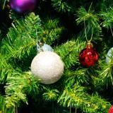 24x Round Christmas Balls Baubles Xmas Tree Decorations Silver - thumbnail 2