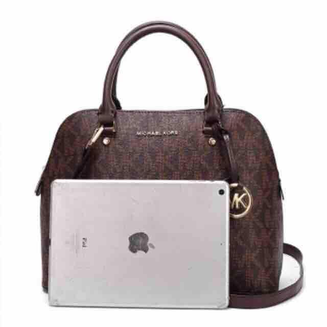 c787ec21698c Michael Kors Philippines - Michael Kors Body Bag for Women for sale ...