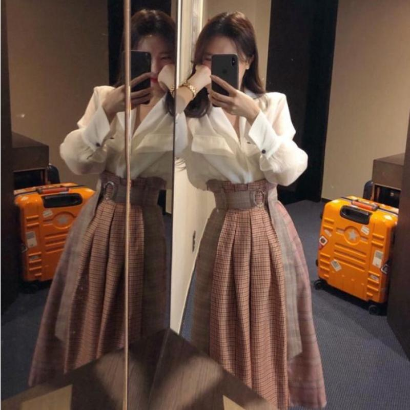 2020 Thu Đông Mẫu Mới Nữ Thần Hoàng Gia Chị Hua Ya Feng Đầm Rất Cổ Tích Của Bộ Hai Chiếc Phong Cách Tây Nổi Danh Trên Mạng Chín Bộ