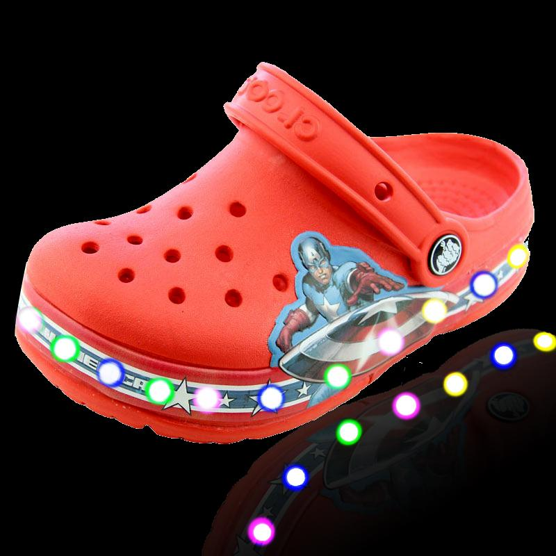 dc762b87b311a Crocs Kids Boys Avengers Light-up Clog