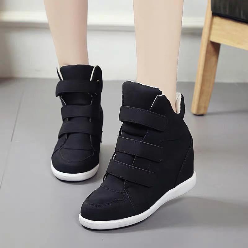 d131c5f9e031db Korean Fashion Suede Snap Round Toe Hidden Wedge Fashion Boots For Women