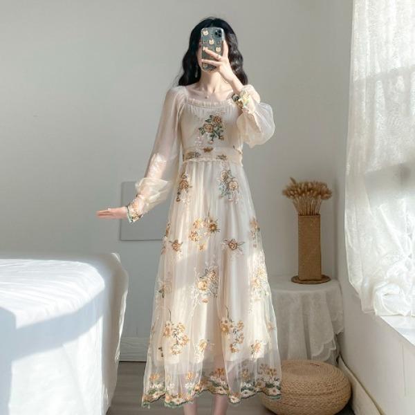 2020 Mùa Xuân Mẫu Mới Phiên Bản Hàn Quốc Phong Cách Tây Kiểu Pháp Đầm Nữ Bó Eo Tôn Dáng Qua Đầu Gối Giống Nàng Tiên Thêu Voan Lưới Mềm Váy Dài
