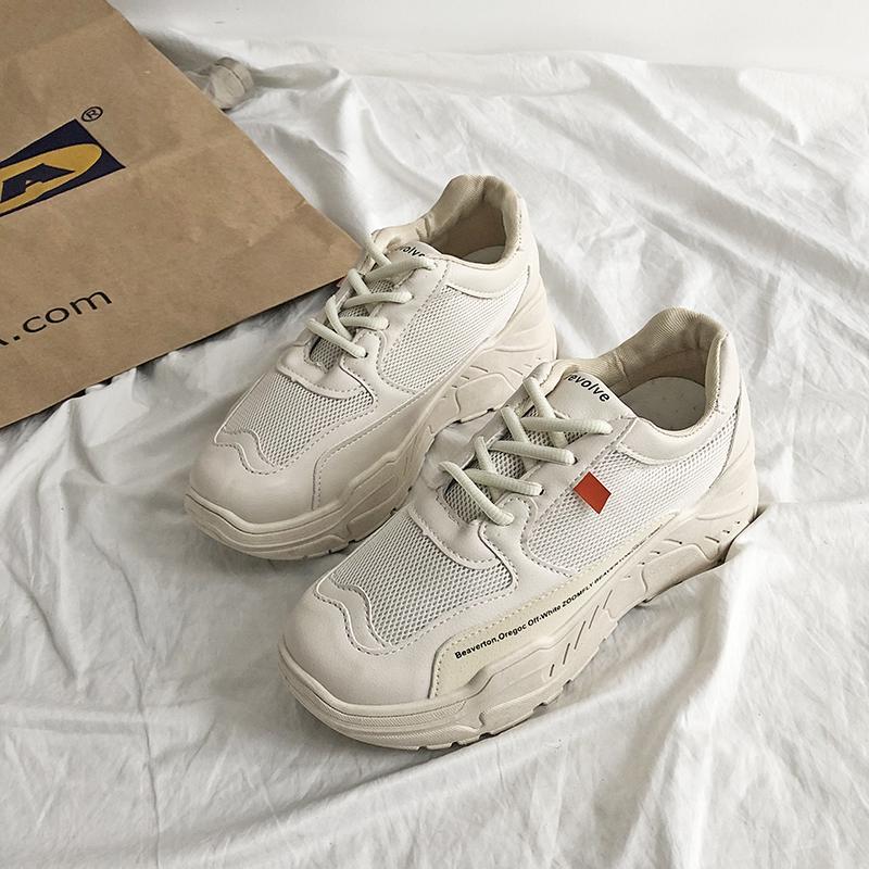 พื้นหนาตาข่ายรองเท้าผ้าใบทรงสูงหญิง Ins เสื้อผ้าแฟชั่น เสื้อผ้าแฟชั่น น้ำ 2019 คอลเลคชั่นฤดูใบไม่ผลิใหม่ยอดนิยมนักเรียนสไตล์เกาหลีเข้าได้หลายชุดรองเท้าตาข่ายสำหรับผู้ชายรองเท้าออกกำลังกาย By Taobao Collection.