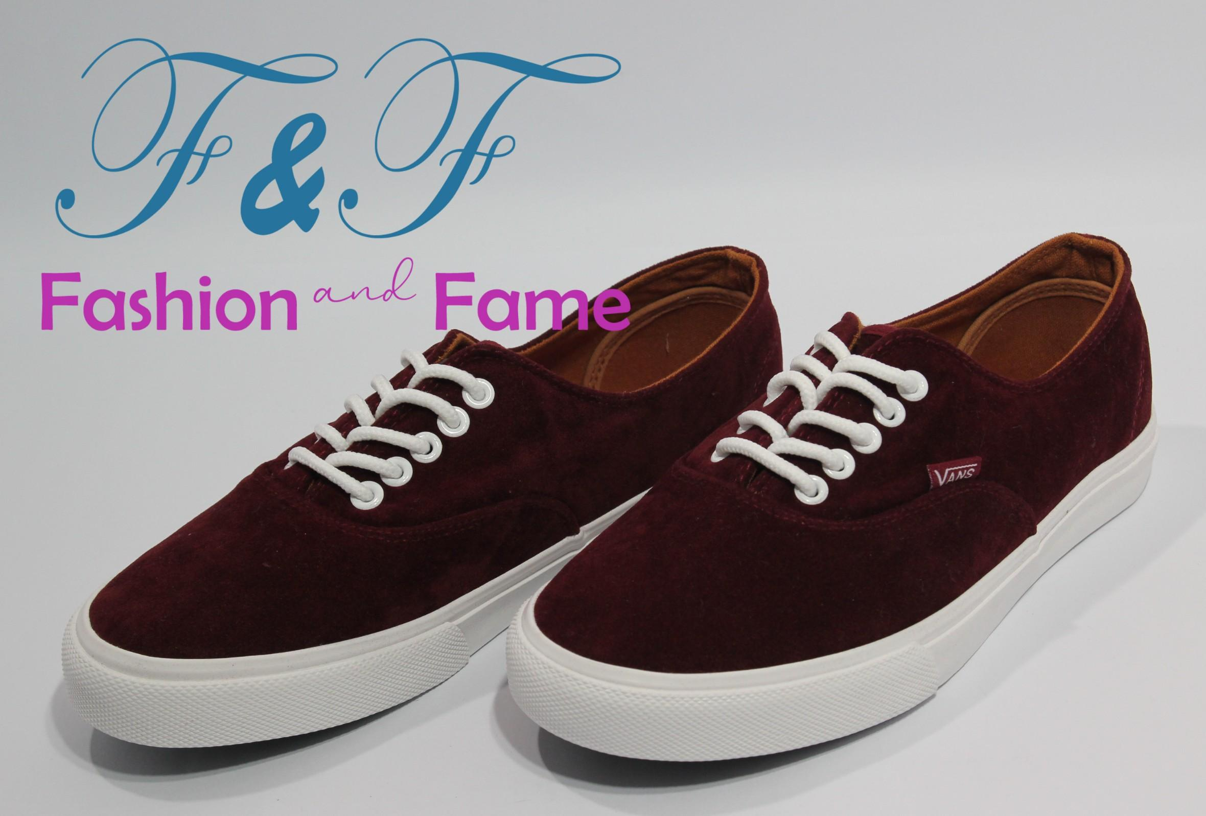 The holy ghost electric show : Maroon vans