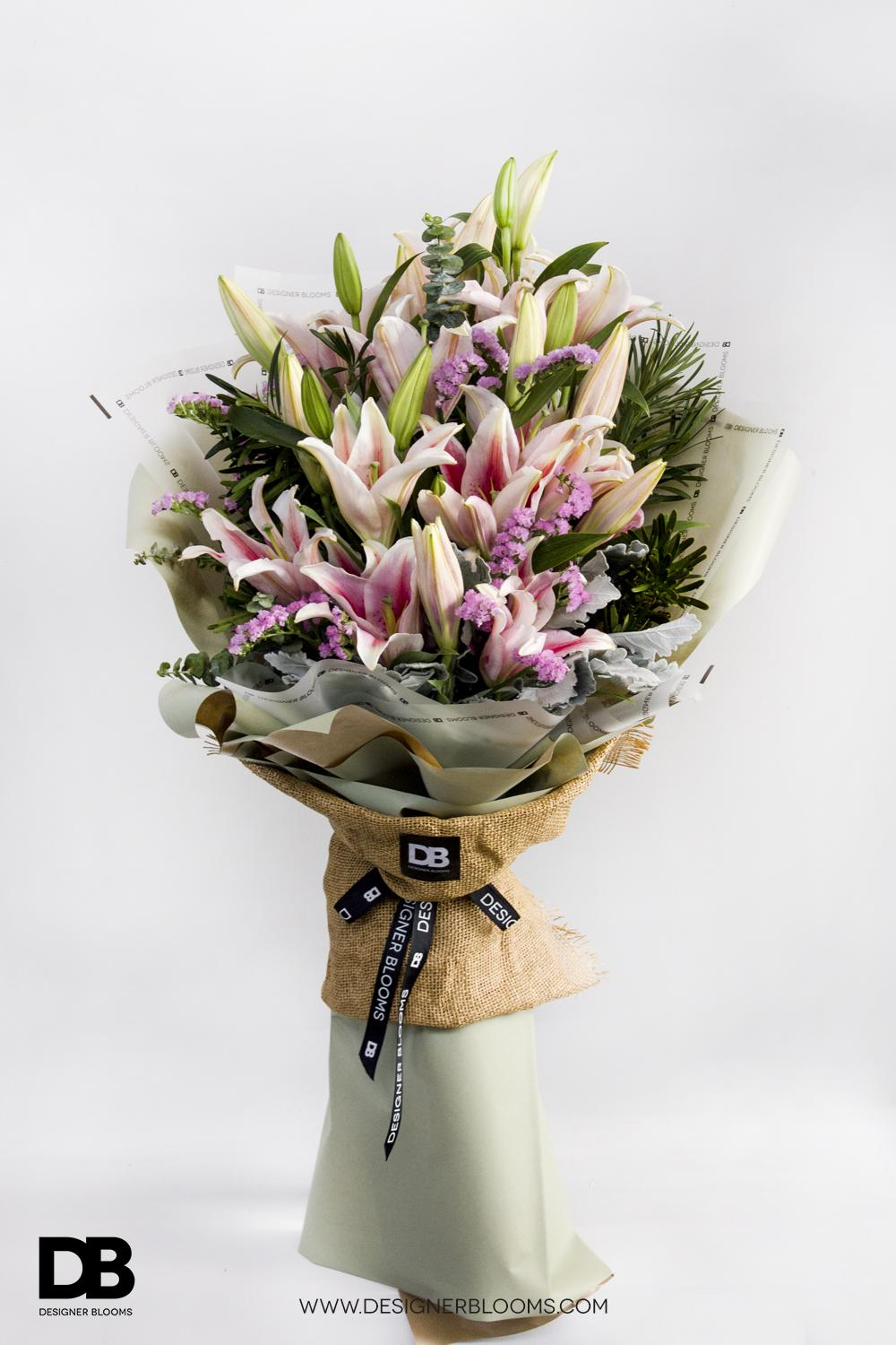 3 Lilies in a Bouquet (Pink)