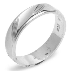 Silverworks R43224 Sandblasted with Slant Stripe Ring (Silver)