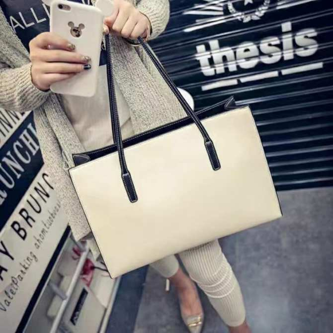 South Korean woman street bag(white)