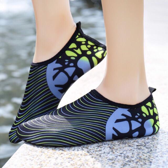 Aqua Shoes By Safiya Edsa.
