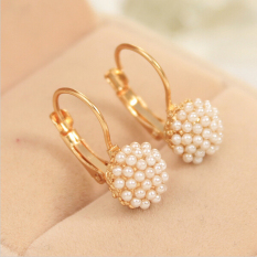 Buytra Women Elegant Pearl Ear Cuff Beads Stud Earrings Chic Gold Plated Drop Earings Gold
