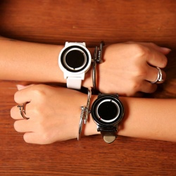 FS Big Sale 1 Pair Fashion Couple Watch Creative Round Dial Turntable Wristwatch Quartz Watches White + Black