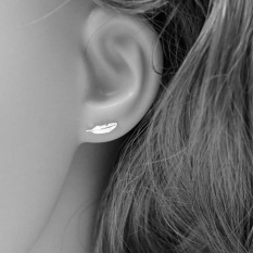 Hequ Korean Style S925 Sterling Silver Jewelry Earrings Cute Mini Small Feather Stud Earrings Brincos For