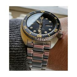 Seiko SRP775K1 Black  Gold Turtle Divers Watch Automatic in steel strap