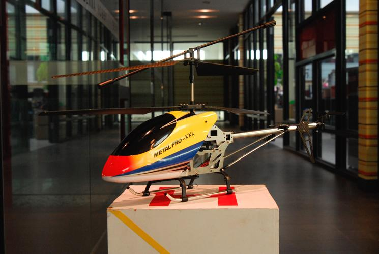 Imported Xxl Remote Controlled Helicopter (metal Pro Xxl) - Intl By The Sweet Spot Shop.