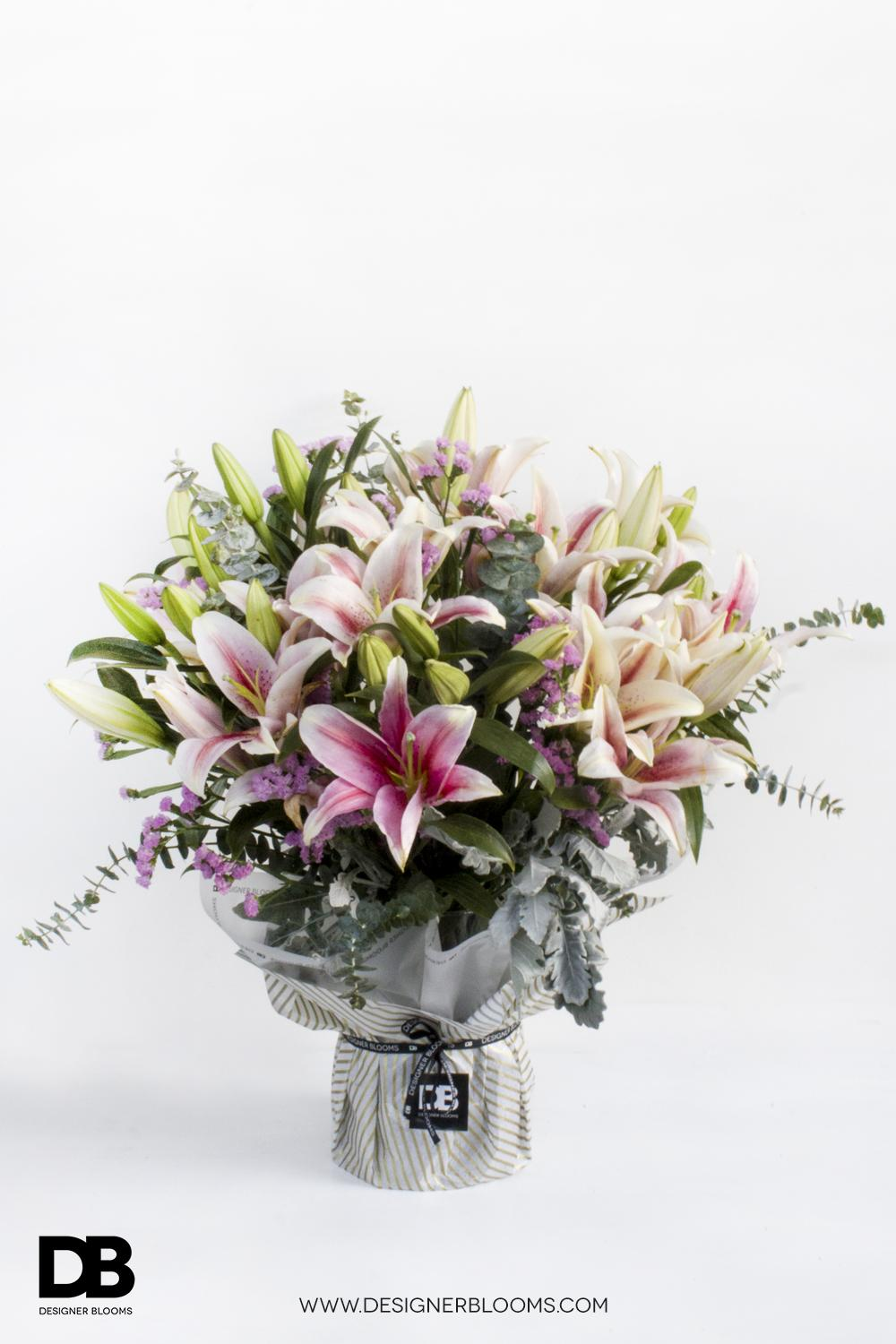 6 Lilies in a Vase