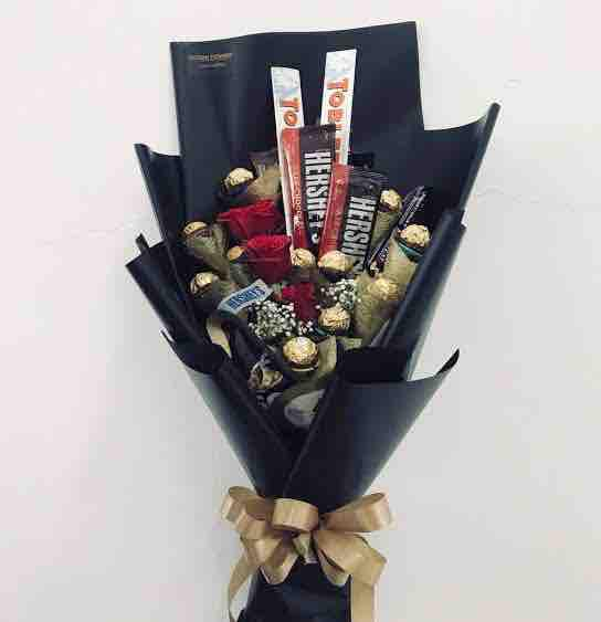 Chocolate Bouquet Assorted 8 Ferrero, 2 Toblerone, 1 Pack Kisses And 4 Hersheys By Shopandcarry.