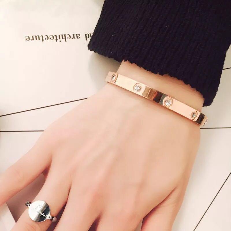 20a08b8437a Simple and stylish wild personality diamond bracelet 18k plated real gold  bracelet