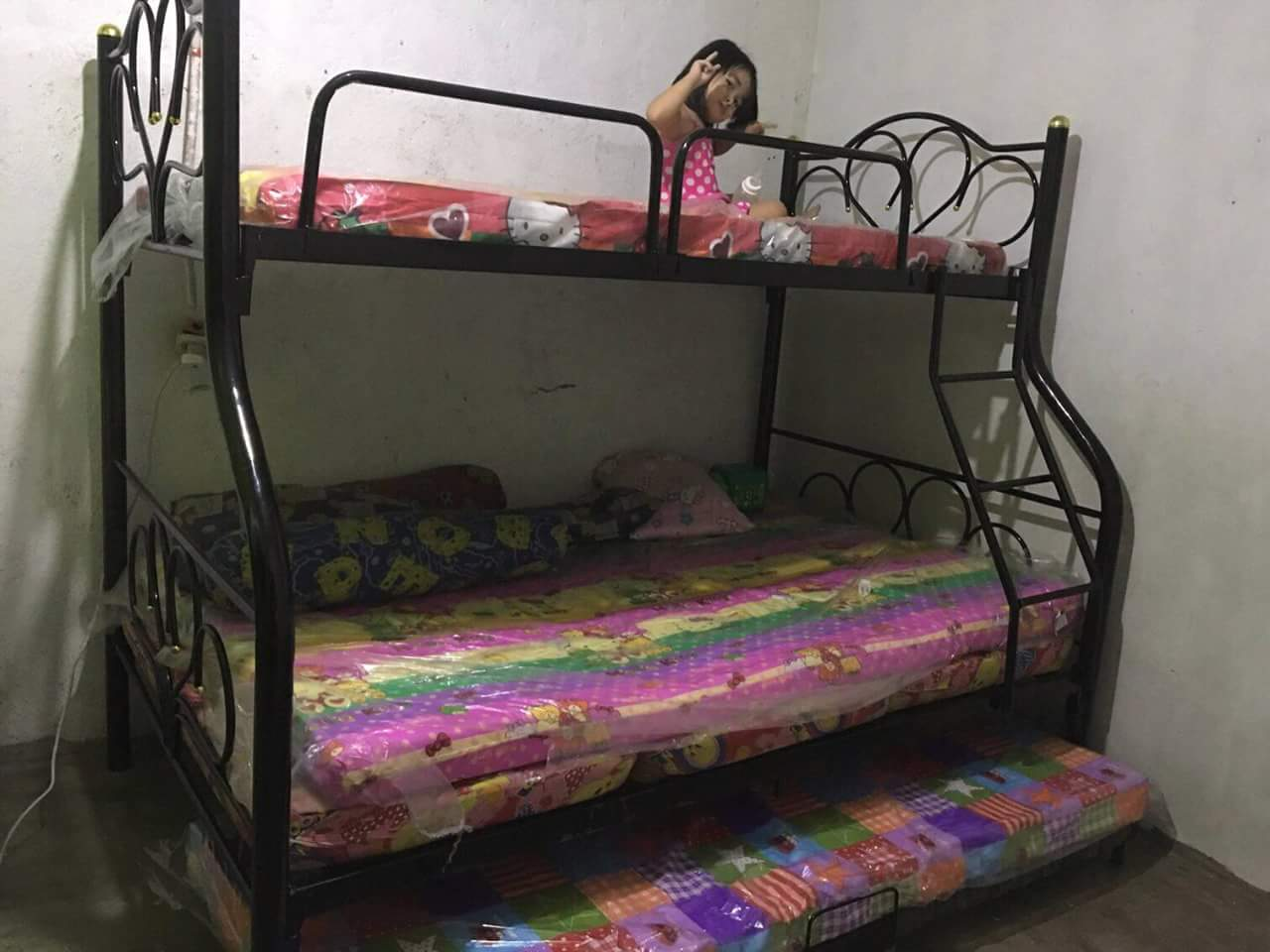 Picture of: Double Deck R Type With Pull Out Bed And Uratex Foam Lazada Ph