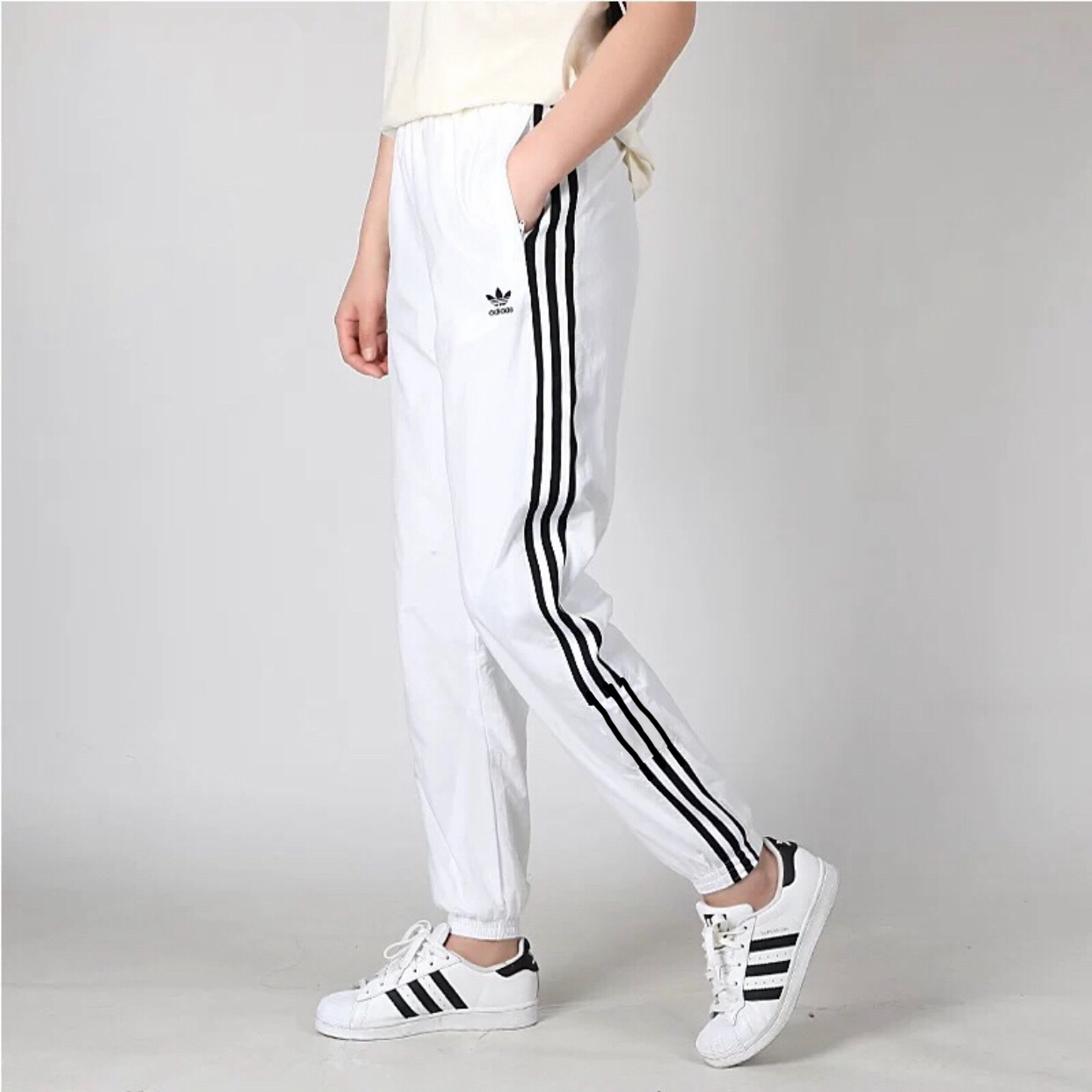 3 lines Adidas Jogger Pants for men