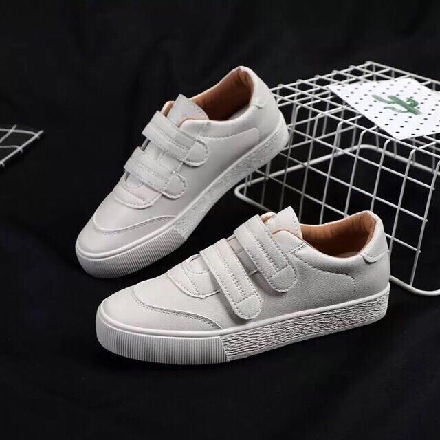 185 Women's White Plain Rubber Shoes